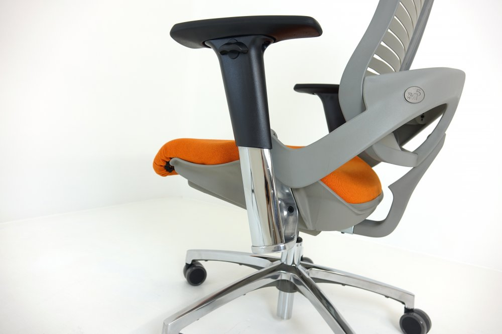 Close View of OM5-XT Chair Mechanism by Office Master